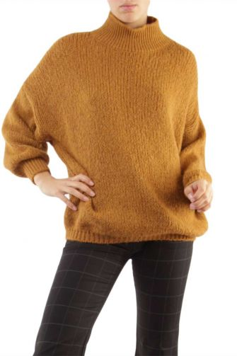 Women's turtleneck jumper camel