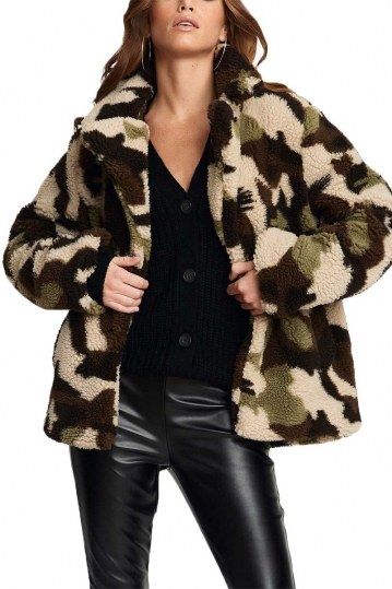 Rut and Circle Teddy camo jacket
