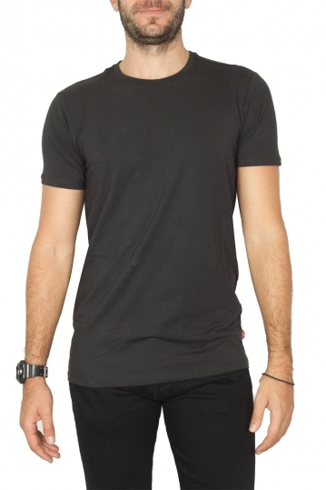 Levi's® solid crew t-shirt black