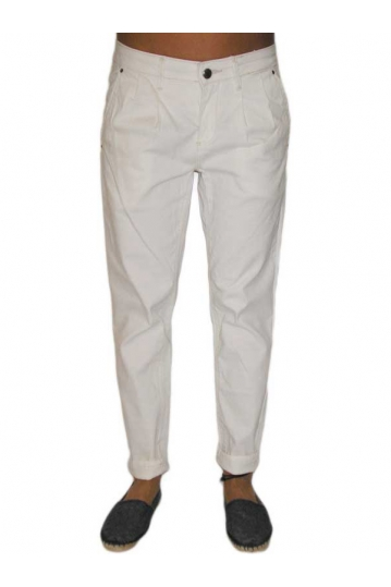 Women's 7/8 chino trousers in white