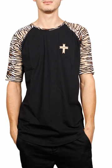 Crossover longline t-shirt black with animal sleeves