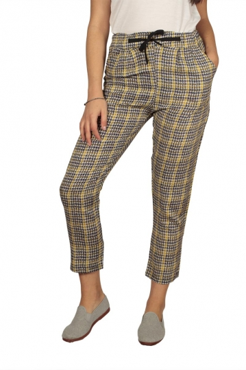 Women's cigarette trousers with Houndstooth pattern